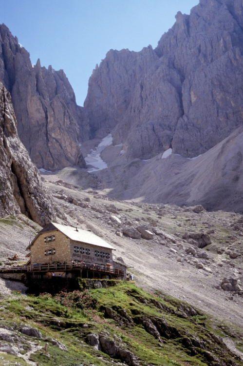 Rifugio Vicenza - dal terrazzo grande vista sull' Alpe di Siusi