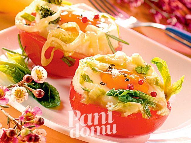 Jajka w pomidorowych gniazdkach