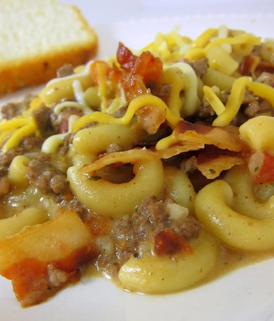 bacon cheeseburger pasta!  so good!