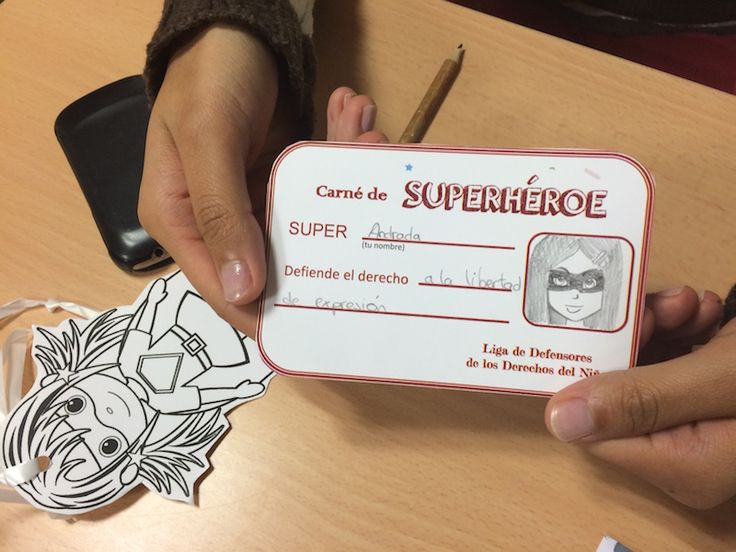 Rellenamos nuestro carné de Superhéroe, y elegimos el derecho que vamos a defender. Idea basada en la campaña de Aldeas Infantiles SOS Argentina, para defender los derechos de los niños.