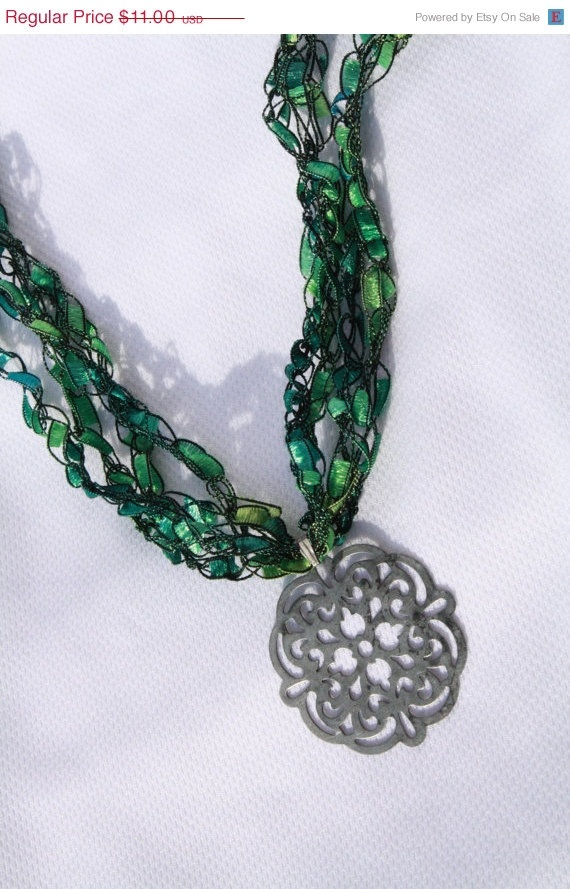 36 best trellis yarn necklaces more images on pinterest yarn