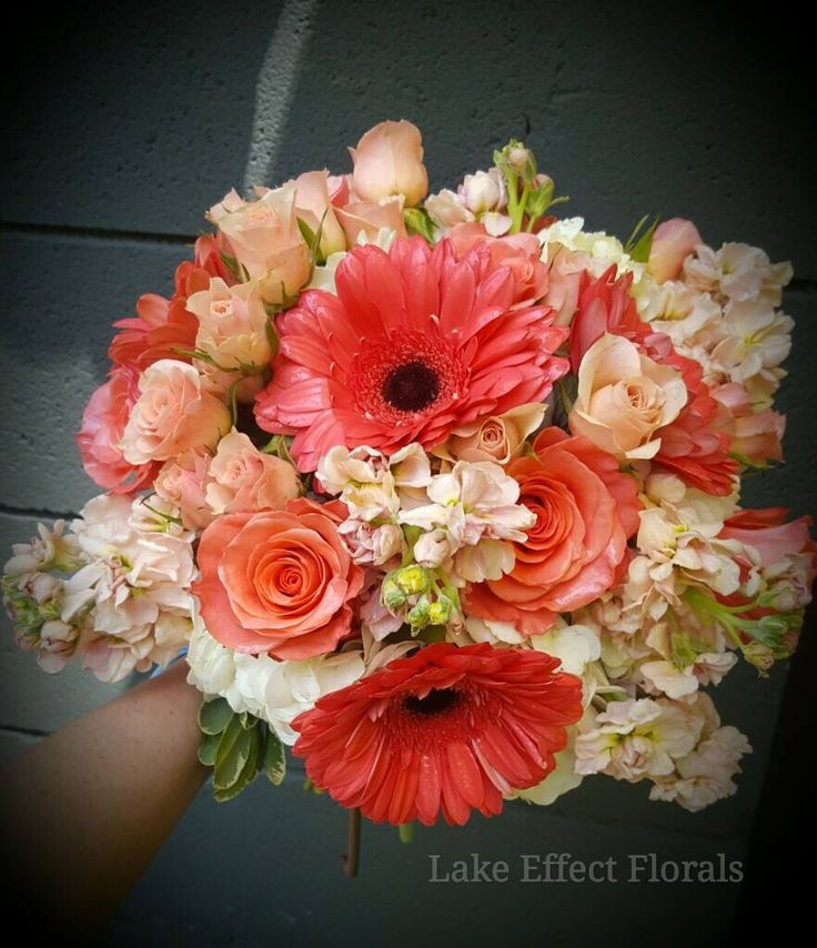 Bride's Bouquet - Daisies and sweetheart roses!