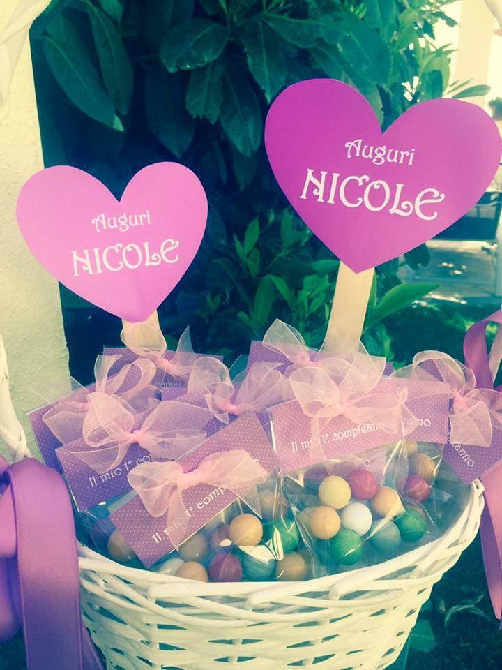Un pensiero dolcissimo e realizzato a mano... Per il primo compleanno di Nicole e per il tuo evento... Tutto personalizzabile! Su ordinazione