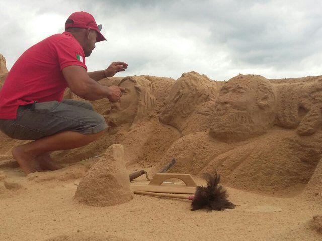 Esculturas de arena se despiden en la Costanera de Asunción