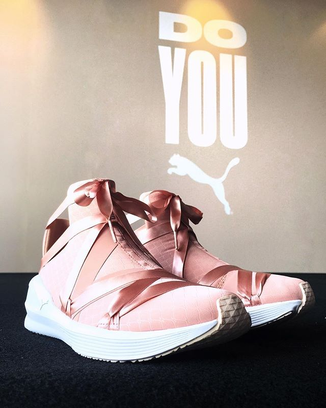 How gorgeous are these ballet-inspired Fierce Rope Satin En Pointe kicks by Puma? Theyve got a comfortable slip-on construction and thick heels for support so you wont ever have to choose between style and performance. $179 available at Puma stores and Zalora.sg. #pumasg #doyou #nylonsgcloset via NYLON SINGAPORE MAGAZINE official Instagram - #Beauty and #Fashion Inspiration - Beautiful #Dresses and #Shoes - Celebrities and Pop Culture - Latest Sales and Style News - Designer Handbags and…