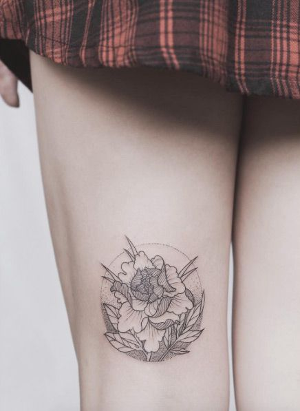 Floral thigh design by Tritoan Ly