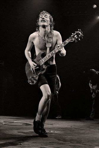 AC/DC - Angus Young - Manchester Apollo - 1982 | Flickr - Photo Sharing!