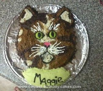 Homemade Cat Cake: The idea from the cat cake came from my mother in law's birthday, she's a cat freak and her baby's name is Maggie so I wanted to create an identical cake