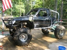 1988 Toyota Truck Ryan's Toy by bron86co http://www.truckbuilds.net/1988-toyota-truck-ryan-s-toy-build-by-bron86co