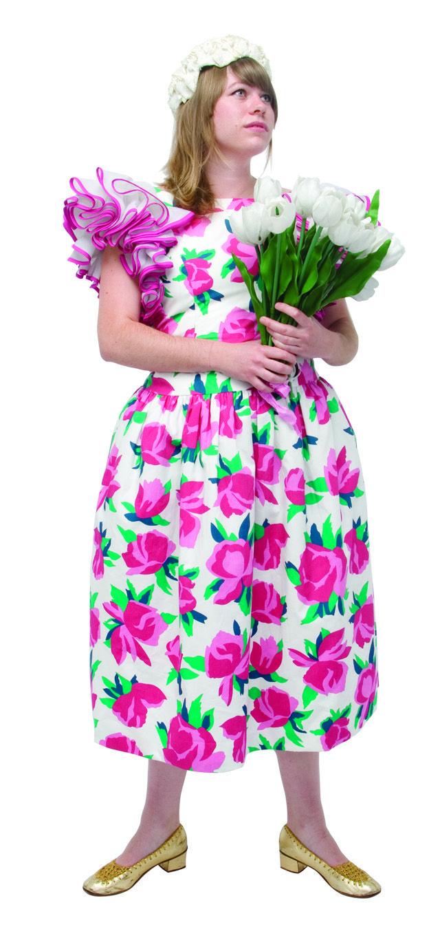1980 -VICTOR COSTA, made in USA, une robe avec des grosses fleurs en imprimé sur du coton, collection privée © Solo-Mâtine