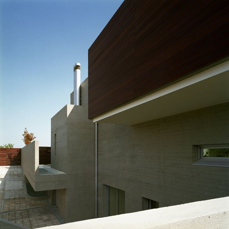 Structure Details Of Shapes and Geometry: L Shaped House in Greece by Potiropoulos D+L Architects