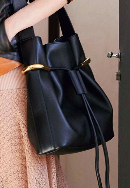 Chloe Resort 2015 Black cross body bag for everyday and very chic