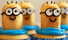 Twinkie Minion Banana Cupcakes| Amazing list of 20+ Recipes of Minion Cake and Cupcakes. With pictures and videos