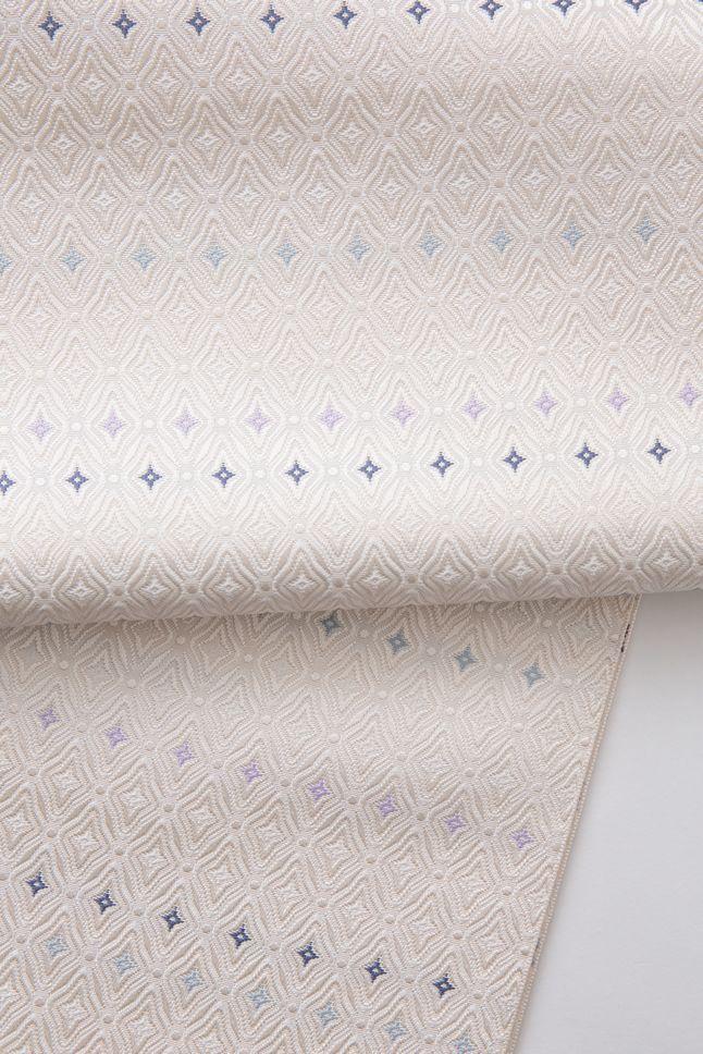 お洒落な普段着物、東京 六本木の帯,きものブランド awai 帯   丸菱小花【白×白】