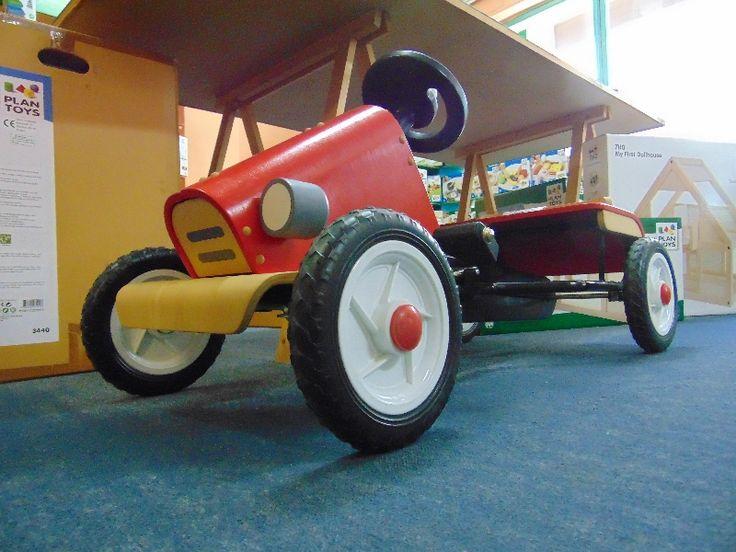 αγωνιστικό αυτοκίνητο Plan Toys, σε νέα, σούπερ τιμή!