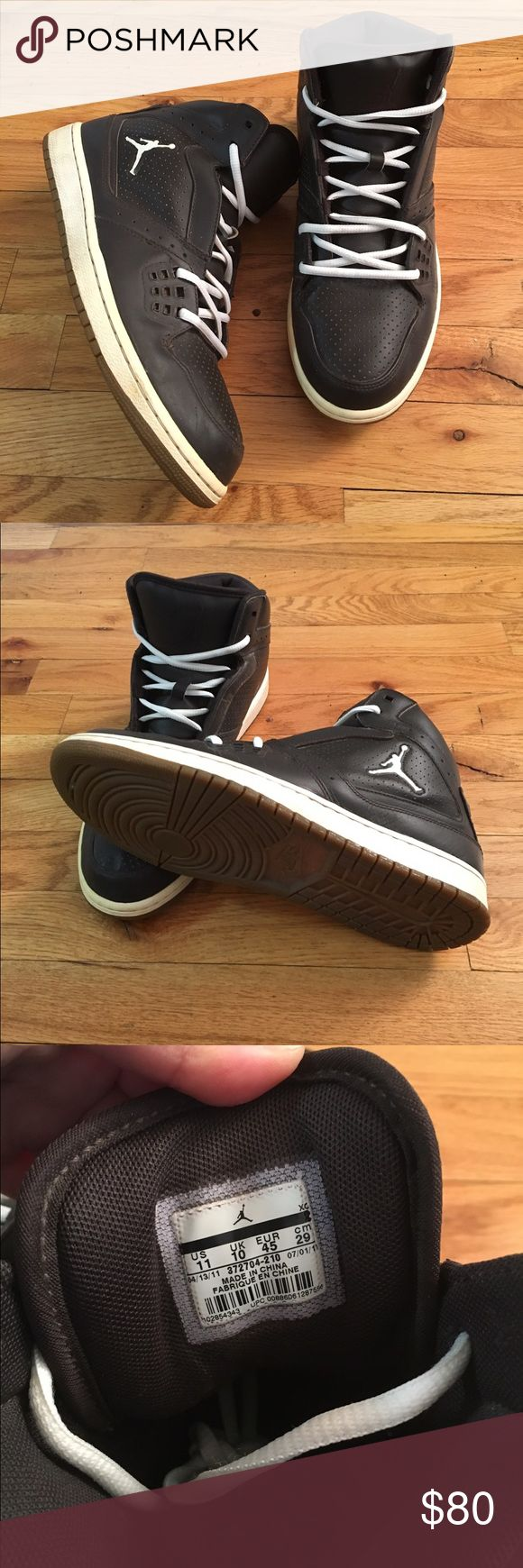 Rare Men Jordan Flight 1 Velvet Brown Sail Size 11 Good condition only worn twice but too small Men's Jordans size 11. With original Jordan laces Jordan Shoes Athletic Shoes