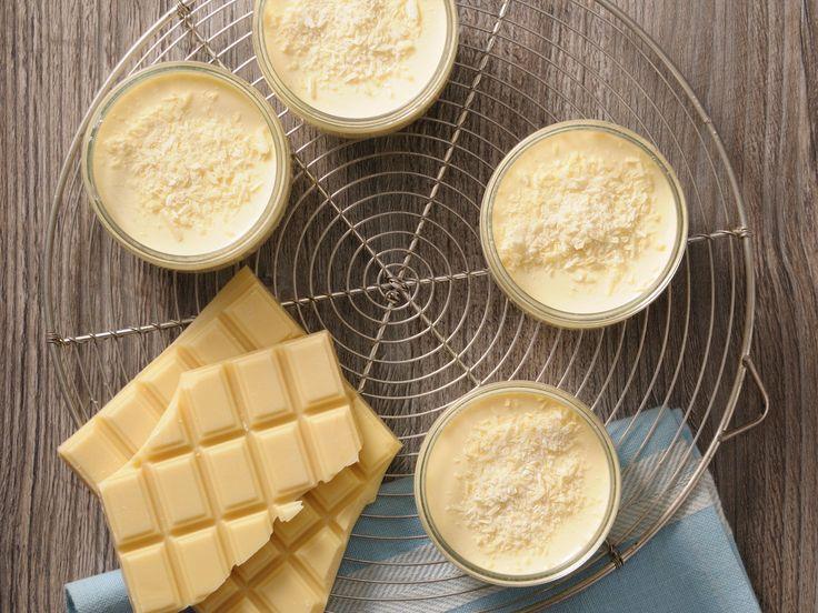 Découvrez la recette Mousse au chocolat blanc Thermomix sur cuisineactuelle.fr.