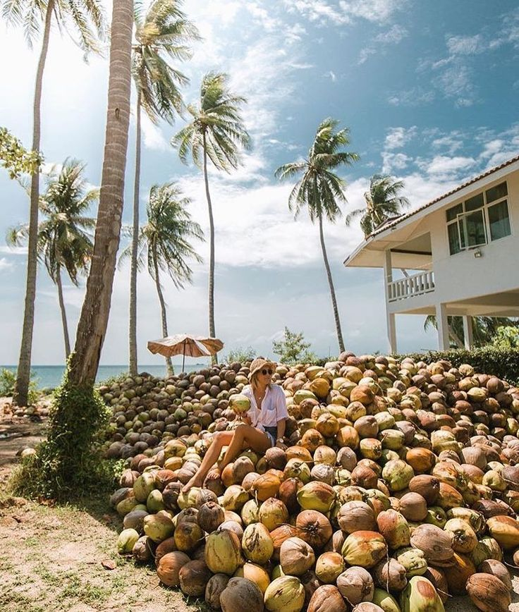 Island treasures || Tropical goodness with @haylsa in the Elliot Shirt Pearl - perfect for coordinating with pieces & a wardrobe staple (shop via the link in our bio)  #thailand #islandlife #beachgold