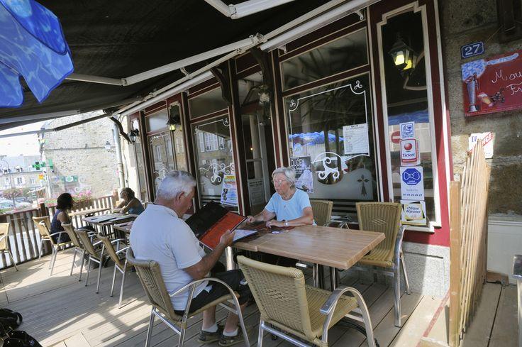 #ducey #villageetape #manche #normandie #terrase #cafe #restaurant #pausedejeuner
