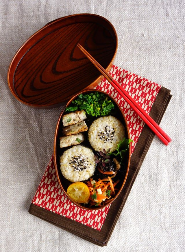 R journal: 玄米おにぎり弁当・Brown riceballs bento