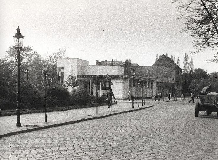Zdjęcie numer 19 w galerii - Gazowe latarnie, brydż na plaży, warszawy na ulicach - Sopot w latach 50. i 60. [ZDJĘCIA]