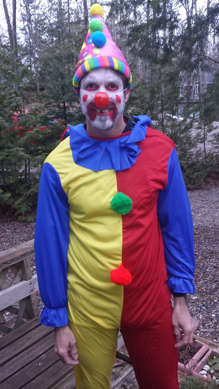The crazy clown on the set of Red Trail 90