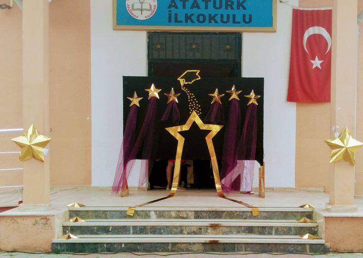Mezuniyet töreni sahnesi