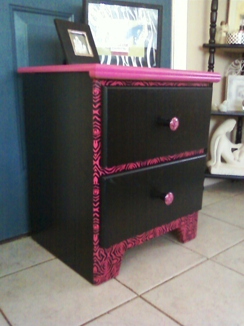 I did it! This was a little boring black bedside table I bought for $5.00. Now it's a fun, funky bedside table!