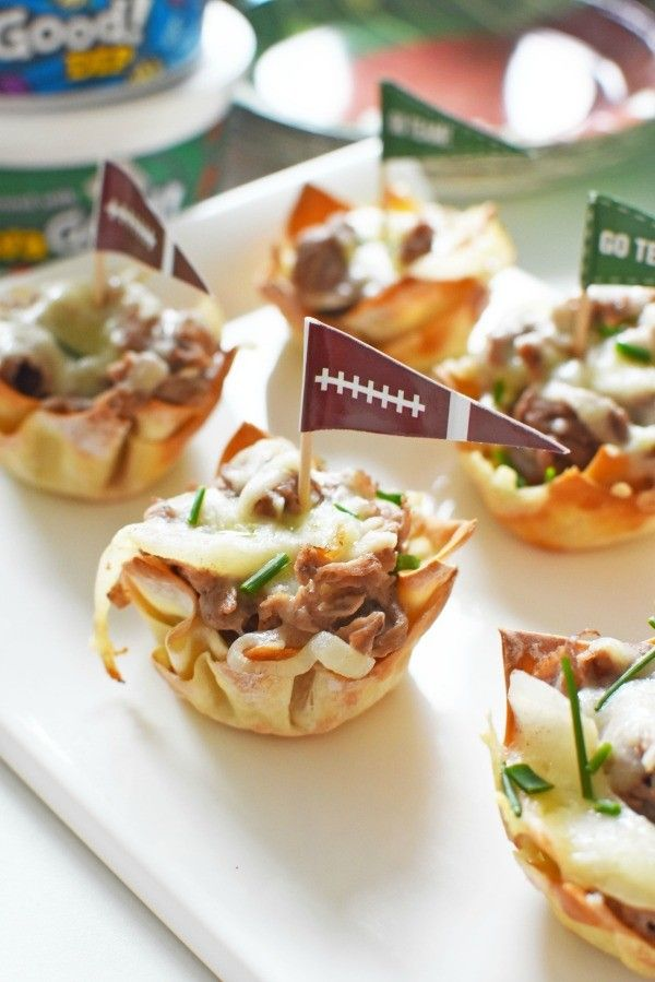 Steak and cheese cups