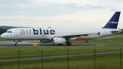 Photo of AP-BJB - Airbus A321-231 - Airblue