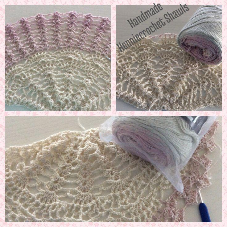 Sjaal( bruid) stola, omslagdoek, vintage in halve cirkel gehaakt, nieuwsgierig hoe deze is geworden? Klik op foto of bezoek mijn winkeltje op Etsy. Crochet Shawl, Scarf bridal stole, bolero curious for this complete lace shawl take a look in my shop.