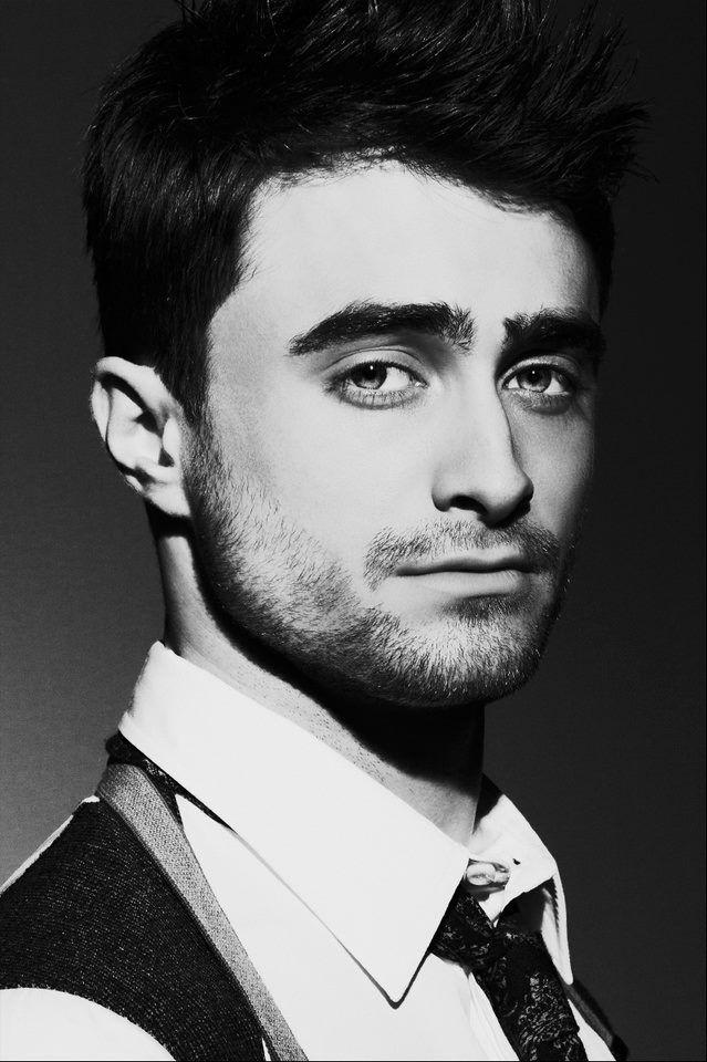 Daniel Radcliffe -Sharp Magazine (2013)  Oh my God.
