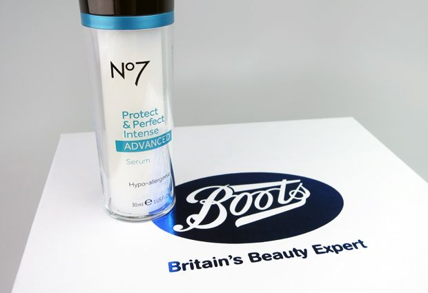 """""""Highly effective anti-aging skin care doesn't have to cost a fortune or be impossible to find. Case in point: Boots No7 and their latest breakthrough product, the No7 Protect & Perfect Intense ADVANCED Serum."""" Thanks, @weheartthis!"""