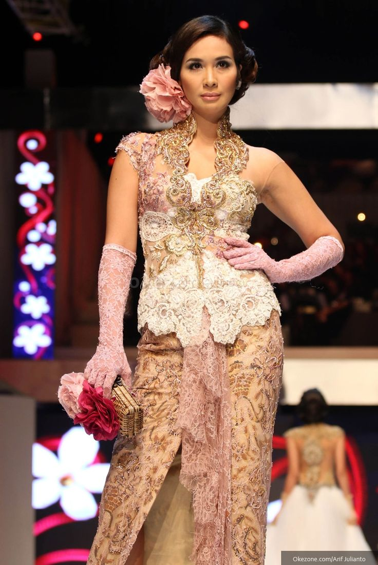 https://www.instagram.com/wrdnfashionindo/ - Anne Avantie - Fashion Designer. Kebaya Indonesia.