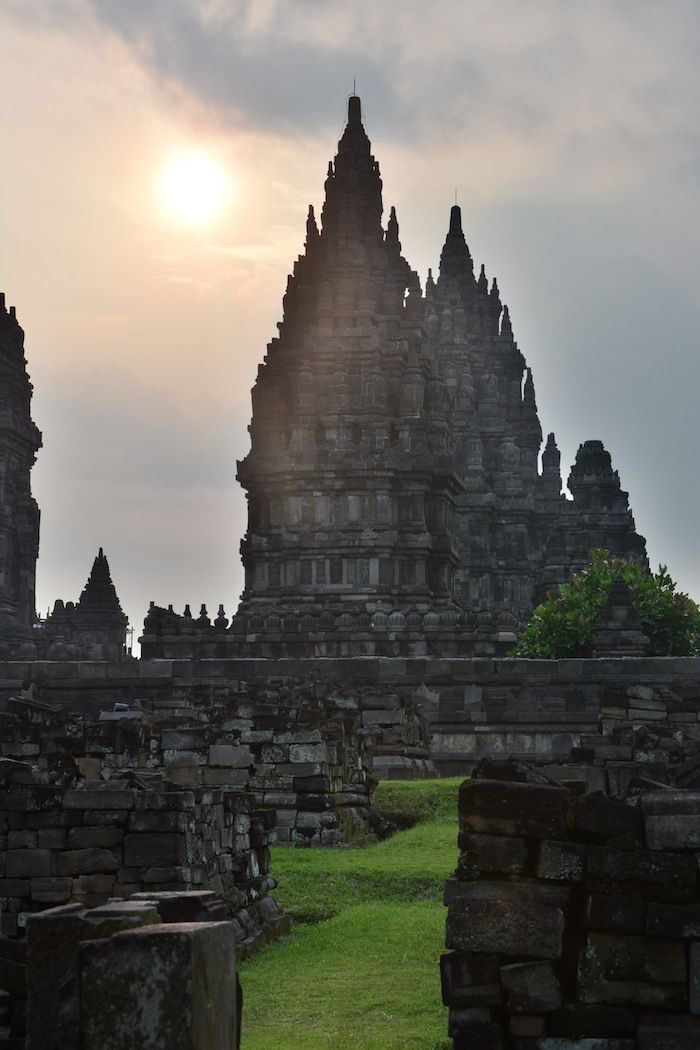A blog explaining a 2 months itinerary in Southeast Asia, a must read before our journey!