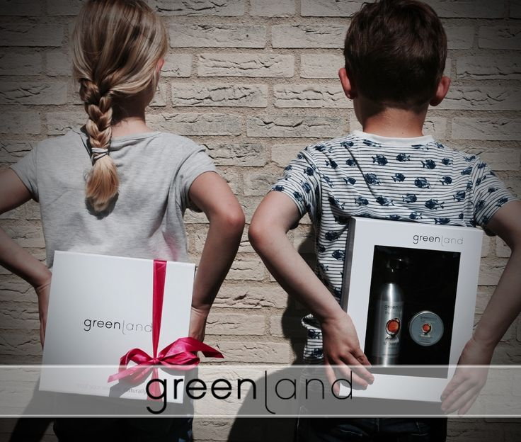 Psssst our products are a great gift all your friends and family! With a variety of products you can find the perfect gift for everyone. Did you knew that the most common scent for men is the lime-vanilla. #greenlandbodycare #gifts #original #Dutchbrand