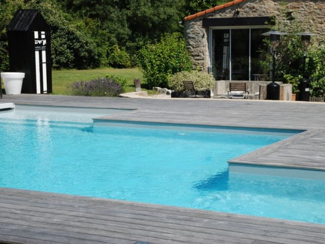 19 best Belles piscines images on Pinterest Swimming pools, Pools - piscine en bloc a bancher