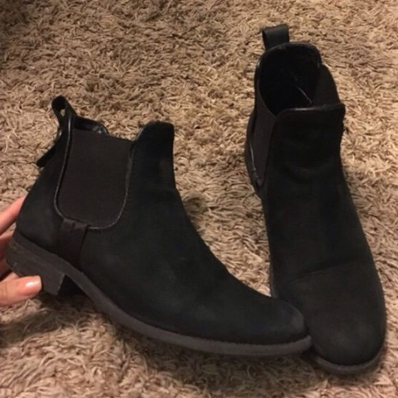 Steve Madden black ankle bootie Worn a few times, fits size 5.5/6. Great for fall looks  brand is Steve Madden, style name is GRAAHAM Steve Madden Shoes Ankle Boots & Booties