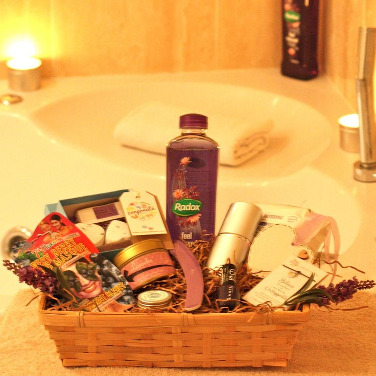 This pamper hamper features some lovely items to help relax and de-stress. We can adapt this gift if you would like something with less items in for a lower or higher budget. Please contact us to discuss your requirements. Pamper Hamper Contents x1 Manicure set in a silver tube x1 Relax Bath Soak x1 Mia and Dom Spearmint and Lavender Lip Balm x1 Wooden white heart (please email us or insert a note at checkout regarding personlisation) x1 face mask x1 facial wipes x1 Lavender bath bomb and…
