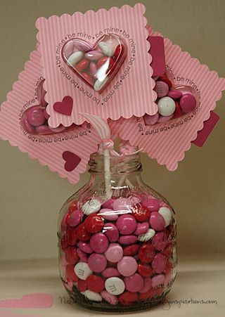 Valentine Treats - Looking for a fun, easy and creative way to celebrate Valentines's Day? This is it! Super simple 'lollipops' using Stampin' Up!'s Sweet Treat Cups.
