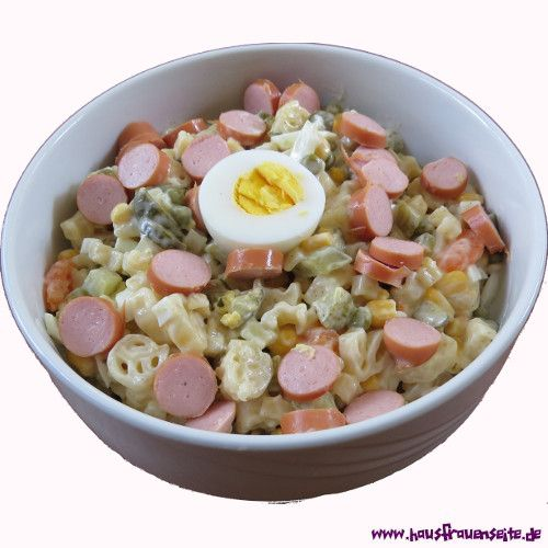 Nudelsalat ala Mama Nudelsalat á la Mama ist das Nudelsalatrezept von Stephs Mama und geht super schnell und schmeckt lecker vegetarisch