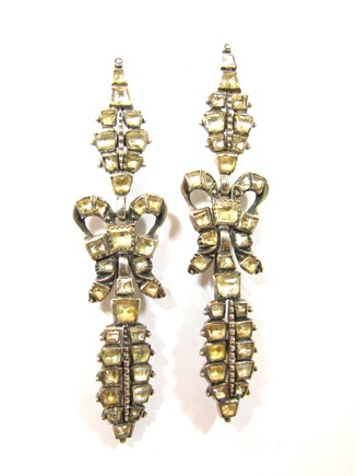 EXTREMELY RARE ANTIQUE EARRINGS ABOUT 1700s: Rare Antique