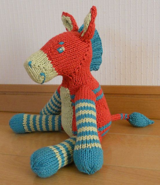 Dog Sweater Patterns Knitting : Best 25+ Knitting toys ideas on Pinterest Knitted animals, Knitted toys pat...
