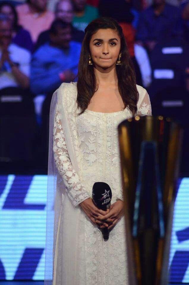 Alia bhatt dress