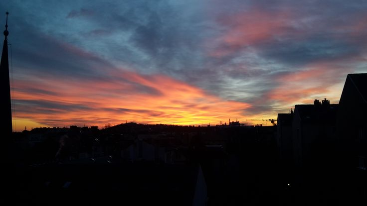 naplemente a város felett / sunset over the city