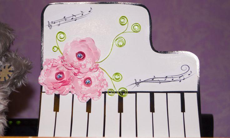 piano, пианино с цветами, самодельная открытка, ноты