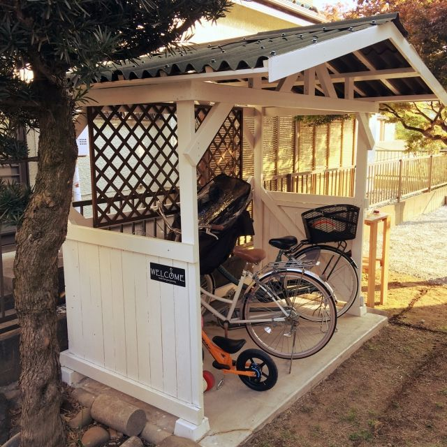 女性で、Other、家族住まいのお庭改造計画♪/お庭/DIY/自転車置き場/ニトリ/玄関/入り口…などについてのインテリア実例を紹介。「我が家のDIYの大作! 自転車置き場!  少しづつ手を加えて お庭改造中です꒰ ♡´∀`♡ ꒱  GWはお庭いじりとDIY♡」(この写真は 2016-05-01 09:44:42 に共有されました)