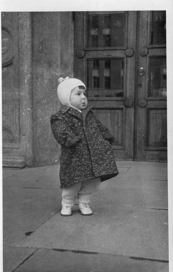 советская девочка со згущенкой: 17 тыс изображений найдено в Яндекс.Картинках