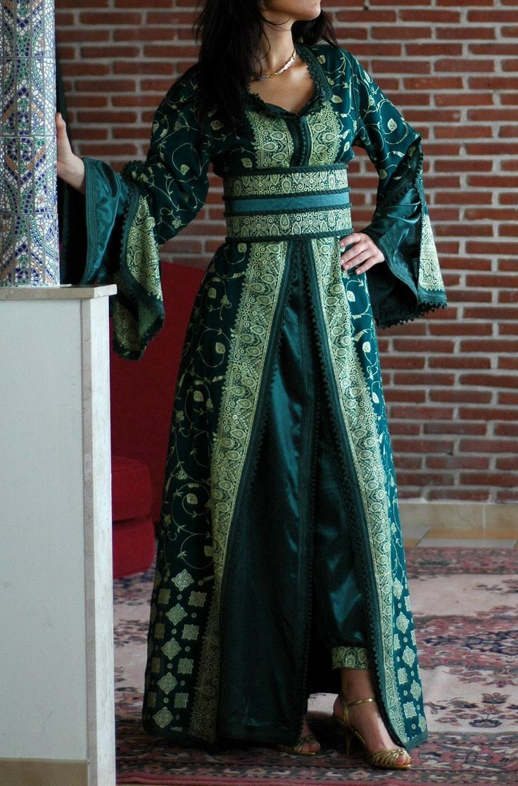 Awesome collection of Moroccan caftan abaya dresses ideas for function (24)