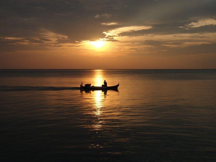 Tanjung Pendam Beach, Belitung Island, Indonesia|http://www.nusatrip.com/id/tiket-pesawat/ke/tanjung_pandan_TJQ #nusatrip #travel #destination #holiday #travelingideas #belitung #indonesia #onlinetravelagency